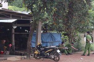 Qua nhà hàng xóm nhậu, người phụ nữ bị chồng cũ đâm chết