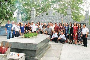 Kỷ niệm 200 năm ngày mất Đại thi hào Nguyễn Du (10/8 ÂL 1820 - 10/8/2020): Từ Truyện Kiều ngẫm về tích tâm - tài