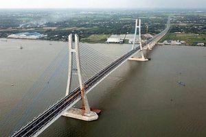Cây cầu đưa những chuyến phà qua sông Hậu vào ký ức