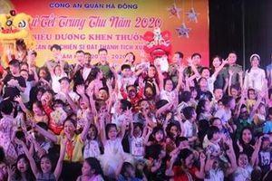 Con em CBCS Công an quận Hà Đông vui Tết Trung thu