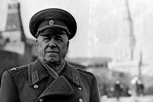 Phát xít Đức bị chặn đứng ở Moscow bởi nguyên soái Liên Xô nào?