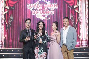 'Anh ba' Ngọc Sơn duyên dáng hát cùng học trò trên sân khấu Tuyệt đỉnh Bolero