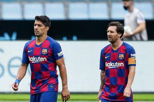Suarez tự hào khi được Messi bảo vệ khi rời Barca