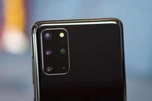 Samsung Galaxy S20 Plus giảm giá 7 triệu tại Việt Nam