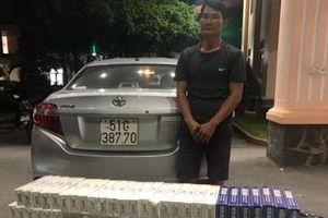 'Quái xế' dùng ô tô chở 2000 bao thuốc lá lậu