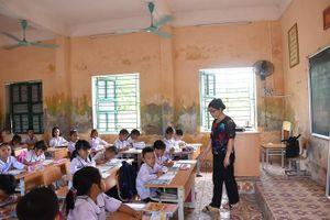 Trường tiểu học ở Hải Phòng xuống cấp trầm trọng, vá víu bước vào năm học mới