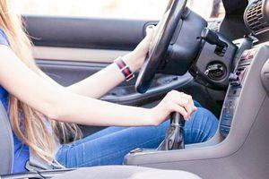 Tài xế mới hoặc lâu ngày không lái xe cần chú ý điều gì khi cầm vô lăng?