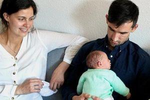 Mãi đến năm nay các ông chồng Thụy Sĩ mới được nghỉ 10 ngày, hưởng 80% lương để chăm vợ đẻ