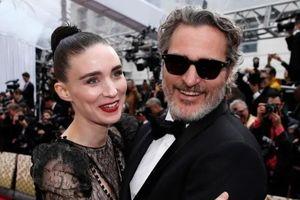 Tài tử 'Joker' Joaquin Phoenix đón con đầu lòng