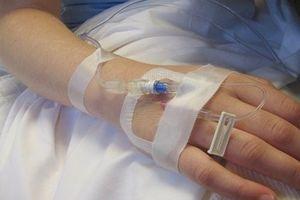 9 bệnh nhi tại Trung Quốc bị truyền dịch hết hạn
