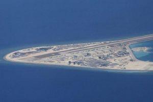Biển Đông: Trung Quốc tiếp tục nhận chỉ trích từ Mỹ và cựu quan chức Philippines