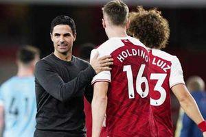 Arsenal trưởng thành về bản lĩnh đại chiến