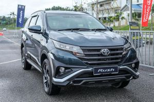 Mitsubishi Xpander bị Toyota Rush bỏ xa về doanh số