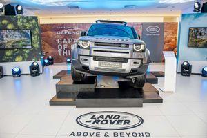 Cận cảnh Land Rover Defender 2020 vừa ra mắt tại đại lý ở Hà Nội