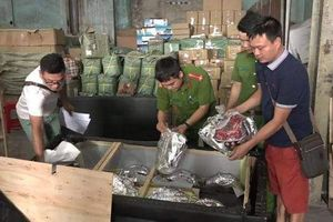 Thành phố Hồ Chí Minh: Phát hiện 250kg pháo nổ giấu trong ghế sofa