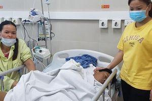 Không có tiền chạy chữa bệnh, nam thanh niên người Mường nằm bất lực chờ chết
