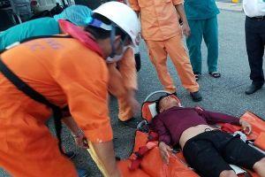 Hơn 20 giờ vượt sóng lớn cứu thuyền viên gặp nạn ở quần đảo Hoàng Sa