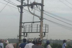 Phát hiện thi thể người đàn ông đầu đội MBH tử vong trên cột điện