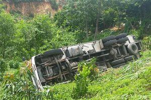 Xe tải 'trôi thắng', tông tử vong tài xế khi đi vệ sinh