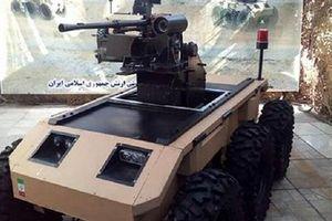 Iran gây ngạc nhiên với robot chiến đấu tự hành