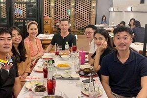 Đi ăn với hội bạn thân nhưng nhan sắc Tăng Thanh Hà lại là tâm điểm