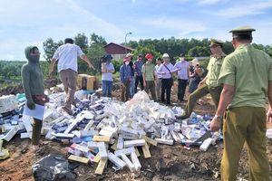 Quản lý thị trường Quảng Trị tiêu hủy gần 25.000 bao thuốc lá nhập lậu