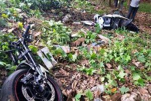 Tai nạn giao thông sáng 4/10: Xe phân khối lớn tông xe máy gãy làm đôi, nam thanh niên tử vong