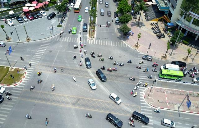 Nút Lê Văn Lương - Hoàng Minh Giám: Cần một cây cầu vượt
