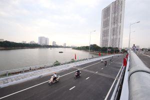 Khánh thành cầu vượt thấp qua hồ Linh Đàm