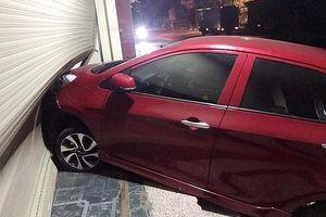 Kỳ lạ vụ tông xe, hủy hoại tài sản bắt nguồn từ chiếc điện thoại di động