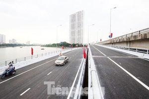 Phương tiện lưu thông thế nào qua cầu vượt hồ Linh Đàm sau thông xe?