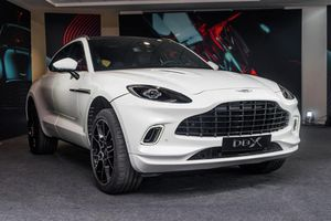 Aston Martin DBX ra mắt tại Đông Nam Á, giá hơn 4,5 tỷ đồng