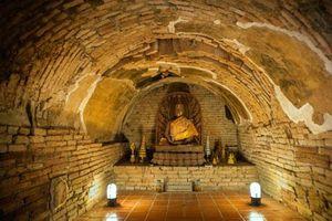 Wat Umong - Chùa thiêng nằm giữa rừng già
