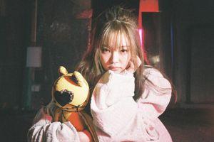 Jennie với trang phục y tá trong Lovesick Girls: 'Lệch lạc hình tượng' hay chỉ là tiêu chuẩn kép mà BlackPink phải chịu?