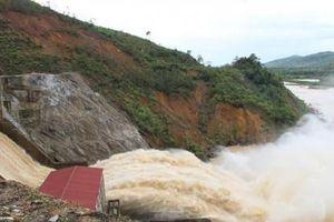 Thủy điện Hố Hô xả lũ lưu lượng gần 700 m3/s
