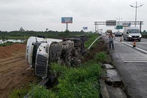 Tin giao thông đến sáng 8/10: Tai nạn khiến 2 người tử vong, 21 người bị thương