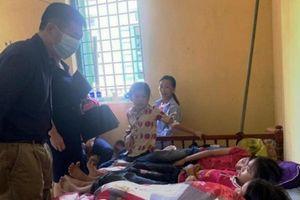 Hàng chục học sinh ở Lào Cai nhập viện nghi do ngộ độc