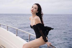'Nữ hoàng giải trí' Thái Lan Aum Patchrapa khoe vóc dáng nóng bỏng ở tuổi 42