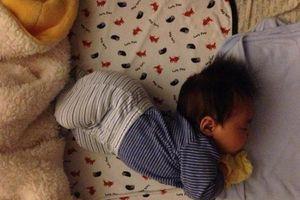 3 hành vi khi ngủ chứng tỏ trẻ có IQ cao, riêng 4 kiểu này dễ gây hại cho trẻ