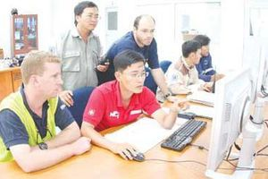 TP. HCM: Giảm thời gian cấp Giấy phép lao động cho người nước ngoài
