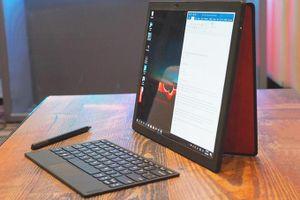Lenovo ra mắt máy tính xách tay màn hình gập đầu tiên thế giới