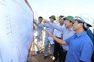 Phó Chủ tịch Thường trực UBND tỉnh kiểm tra thi công cao tốc Vân Đồn - Móng Cái