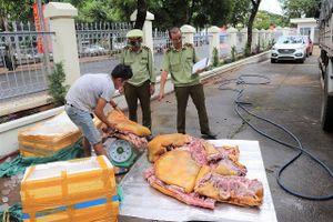 Chặn đứng 300kg thịt lợn bẩn sắp ra thị trường