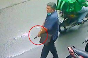 Thông tin bất ngờ vụ người đàn ông cầm vật giống súng dọa người dân
