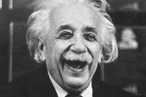 Khiếu hài hước thú vị của nhà bác học thiên tài Einstein