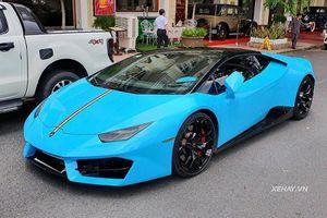 Lamborghini Huracan gần 20 tỷ, vào Nam ra Bắc như 'đi chợ'