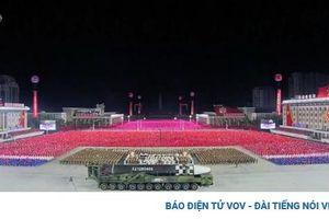 Triều Tiên phô diễn mẫu tên lửa mới, Mỹ kêu gọi đàm phán