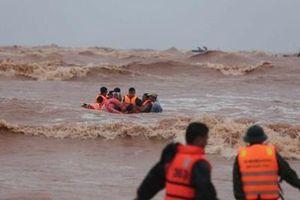 Thuyền viên gặp nạn trên biển Quảng Trị: Đã giải cứu thành công, 1 người tử vong