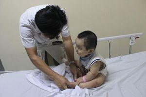 Bệnh tay chân miệng: Tăng số trẻ biến chứng nặng