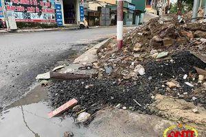 Nghệ An: Chất thải xây dựng 'bủa vây' công trình giao thông đường Hoàng Phan Thái